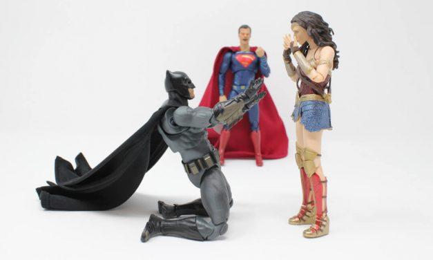 Boneco Super-Herói Articulado