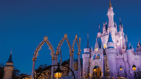 parque Magic Kingdon da Disney de noite