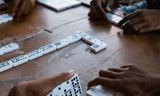 Dominó é jogo de tabuleiro? Tire as suas dúvidas
