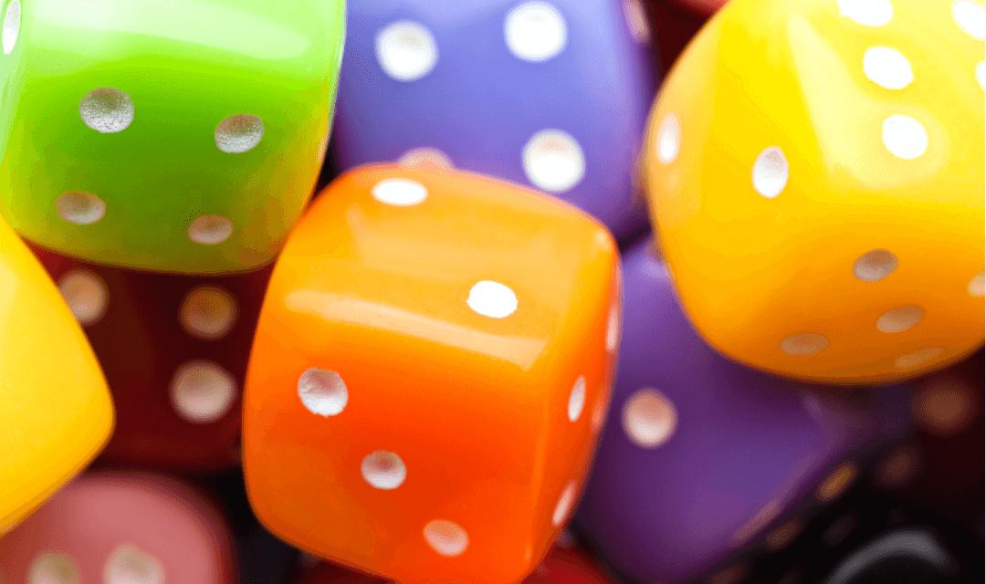 Jogos de tabuleiro com dados para aprender a perder e a ganhar